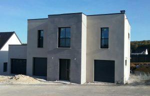 Maison Lea TT toiture terrasse dans les yvelines grandes baies vitrees garage toit plat archidesign