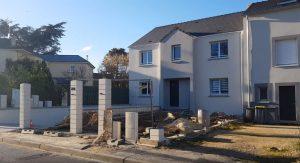 Maison porche rentrant contemporaine tuile noire sous sol dans les yvelines archidesign