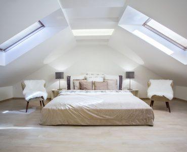Quelle pente de toit pour mon toit à 4 pans ? Est-il aménageable ?